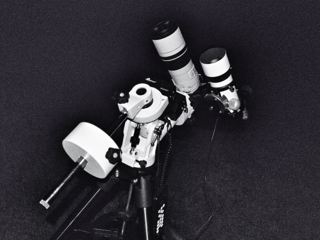 Loaded with Canon 60Da/300mm f4L lens and 10x60 finder.